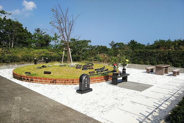 自然に還りたいという思いにこたえる新たな墓所【樹林墓地・樹木墓地】