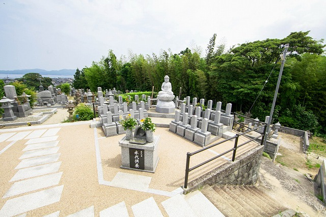 継承者不在で多様化する永代供養墓(納骨堂)事情